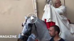 L'arcivescovo cade da cavallo durante la processione: due costole