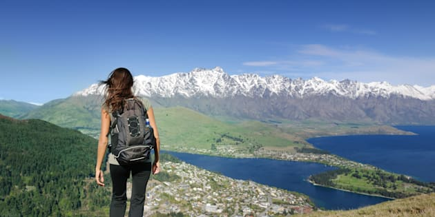 A agência de educação da Nova Zelândia (que concentra a oferta de bolsas e benefícios) criou um programa de bolsas de estudo apenas para países em desenvolvimento.