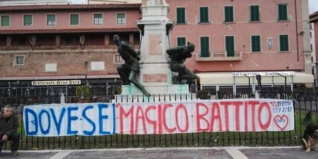 """Tappezza le strade di Livorno per trovare il """"magico battito"""" del cuore del figlio morto e del quale sono stati donati gli organi"""