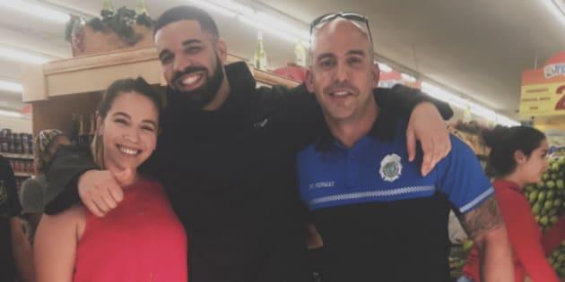 Quand Drake paye les courses des clients d'un supermarché à Miami