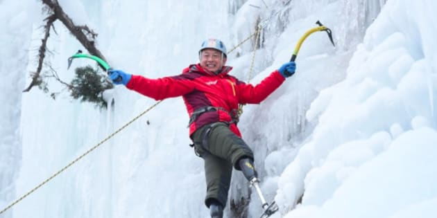 Xia Boyu, double amputé, réussit l'exploit d'escalader l'Everest à 69 ans