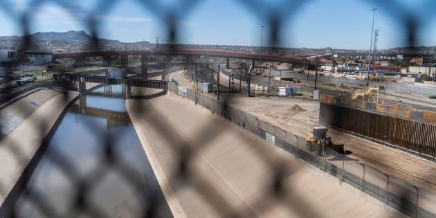 La frontière entre les États-Unis et le Mexique non loin d'El Paso, au Texas (illustration).