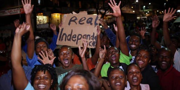 Quel avenir pour le Zimbabwe maintenant que l'ère Mugabe est terminée?