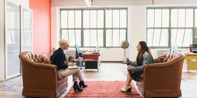 Enviar uma mensagem de agradecimento após uma entrevista de emprego pode ajudá-lo a conseguir a vaga.
