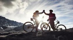 400 chilometri in bici per sfidare Parkinson e Alzheimer. La storia di Pino e