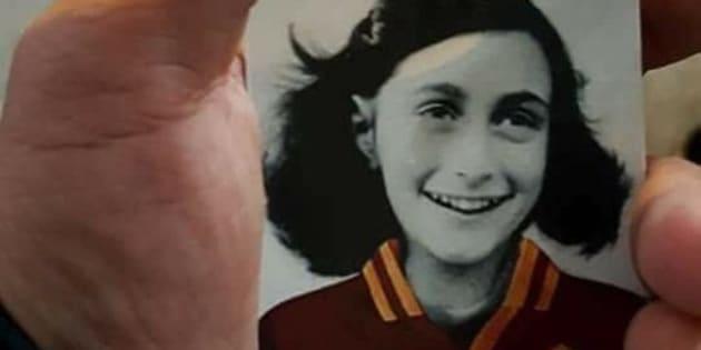 Foto Anna Frank. Lotito in sinagoga: