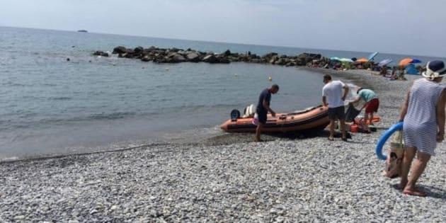 Ventimiglia, padre sull'acqua scooter travolto e ucciso dal motoscafo guidato dal figlio