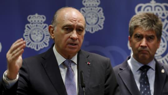 Fernández Díaz usó hasta 2016 a la policía para ayudar a su