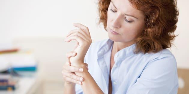 Et si le responsable des tendinites et douleurs àl'épaule chez lesfemmes était le travail?