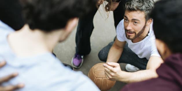 Pourquoi y a-t-il si peu de sportifs gays?