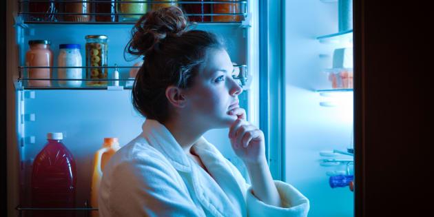 Quem nunca refletiu na frente da geladeira se o que estava sentindo era realmente fome que atire a primeira pedra.