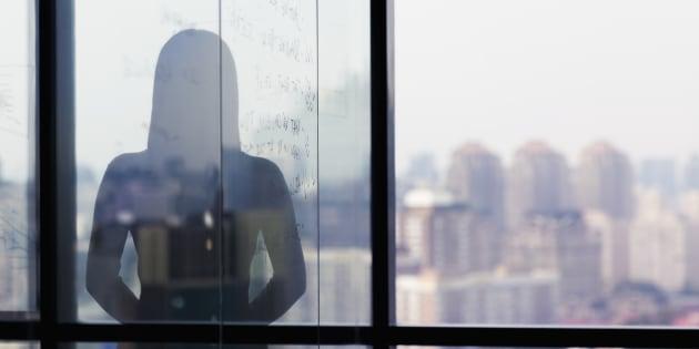 Paroles de stagiaires, victimes les plus fragiles du harcèlement sexuel au travail.