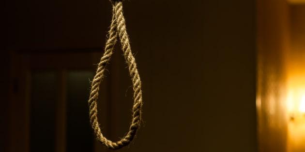 Marito e moglie morti impiccati