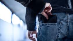 Una coppia di turisti tedeschi ha rubato il portafoglio a un operaio napoletano a
