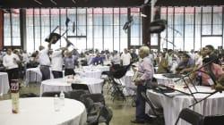 FOTOS Y VIDEO: A sillazos, revientan Foro Educativo organizado por el equipo AMLO en