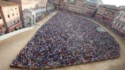A Siena la destra si prende anche il Palio. Con Salvini molti esponenti