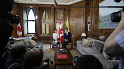 More Pressure On Trudeau To Revoke Aung San Suu Kyi's Honorary
