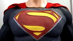 Superman en defensa de los inmigrantes y los abusos de los
