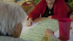 Les seniors contraints de puiser dans leur épargne pour vivre en