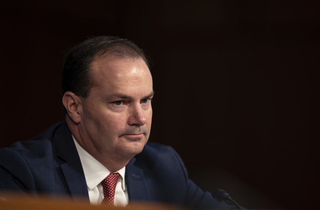 GOP Senator Diagnosed With COVID-19 Attends Barrett Hearing Sans Mask