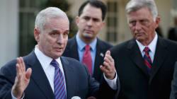 Este governador bilionário dos EUA aumentou os impostos para os ricos e reajustou o salário