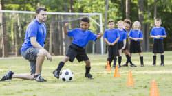 BLOG - Priver les clubs de foot et les associations des contrats aidés, c'est mettre en danger le vivre