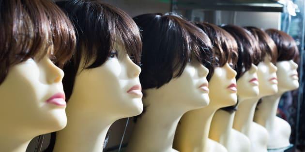 Les perruques portées par les personnes atteintes de cancer seront mieux remboursées, assure Agnès Buzyn.