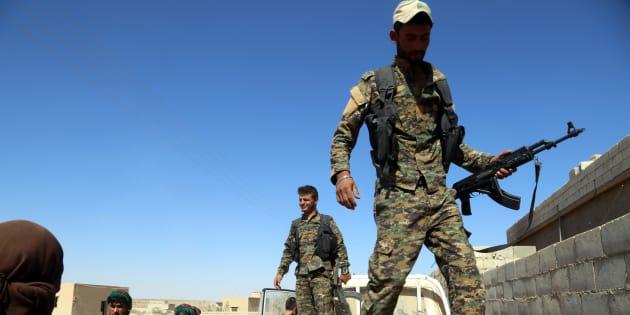 À Raqqa, les troupes soutenues par les États-Unis progressent, et reprennent les premiers quartiers de la capitale de l'EI en Syrie