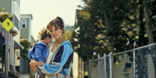 La série sur la sexualité des mères célibataires qui a affolé les puritains américains arrive en France.