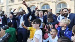 Invitée à l'Élysée, l'équipe de France avait encore de l'énergie pour faire la