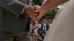 Ils ont assisté à ce mariage les yeux bandés en soutien à la