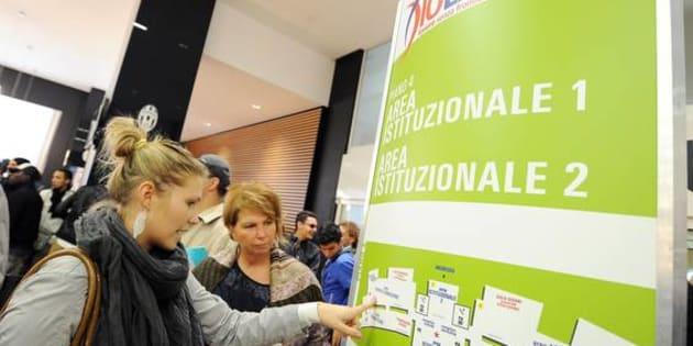 Giovani alla manifestazionei IoLavoro, Torino, 10 Ottobre 2013. ANSA/ ALESSANDRO DI MARCO