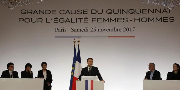 Ces pans oubliés par Macron qui laissent certains féministes sur leur faim.