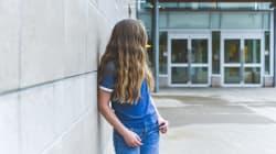 SALVATA DA UN'INSEGNANTE - Ricatto per foto osé, 13enne minaccia il suicidio a