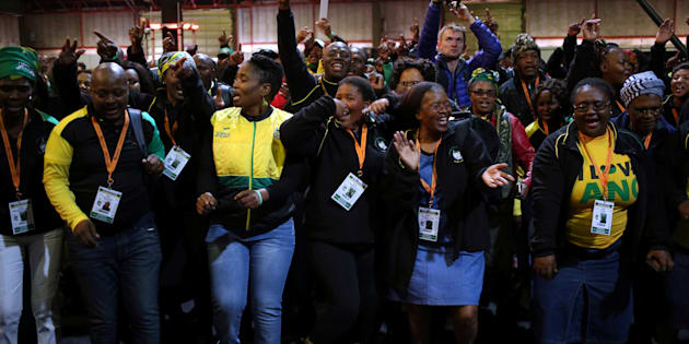 Delegates sing ahead of the opening of the African National Congress 5th National Policy Conference at the Nasrec Expo Centre in Soweto, South Africa June 30, 2017. REUTERS/Siphiwe Sibeko