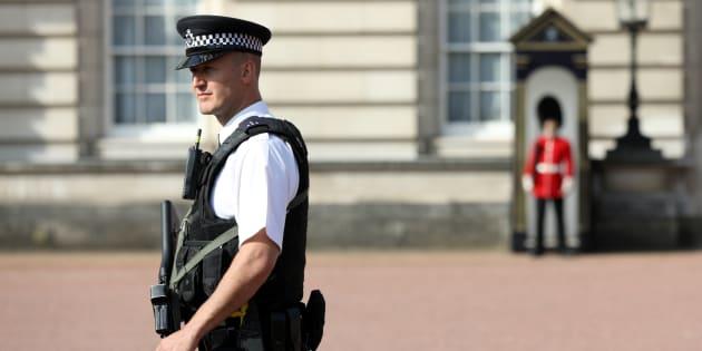 Attaque de policiers devant Buckingham: un deuxième homme arrêté