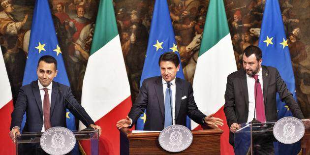 """Opposizione contro il decretone. Renzi: """"È un autogol"""", Berlusconi: """"Prevedo scenari ..."""