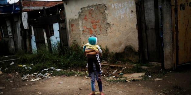 Crise leva 4,1 milhões para faixa da pobreza no Brasil