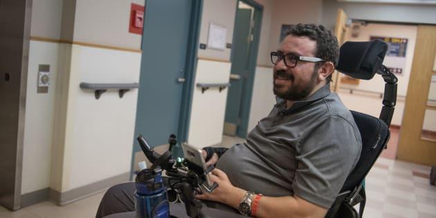 Aymen Derbali, 41 ans, est aujourd'hui paraplégique.