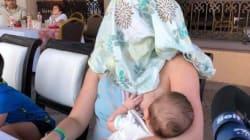 Le dicono di coprirsi per allattare il figlio, la sua reazione ottiene applausi (e scatena la