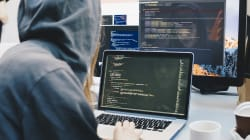 Hacker di nuovo in azione: diffusi online i dati di