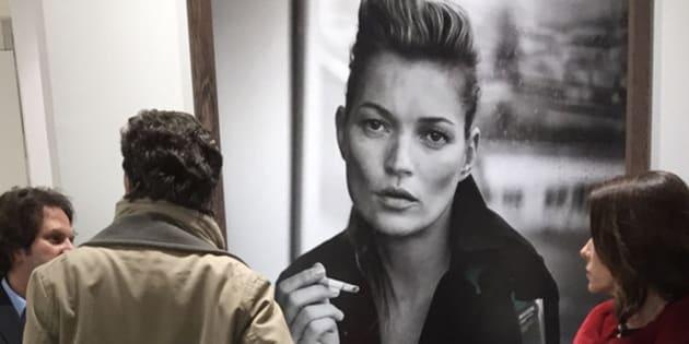 Portrait de Kate Moss par Peter Lindbergh sur le stand de la galerie Gagosian à Paris Photo 2016