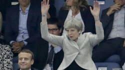 Twitter no perdona a Theresa May por unirse tarde a una