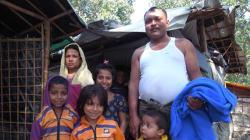 バングラデシュ:ミャンマー避難民緊急支援~約450世帯に毛布と子ども服を配付~