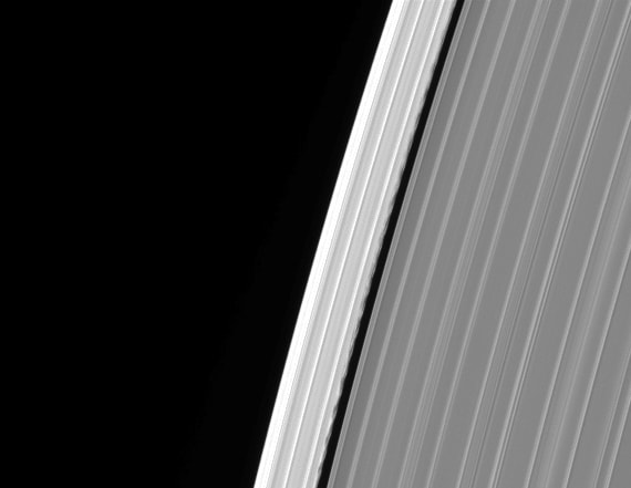 Cassini captured mysterious glitch on Saturn