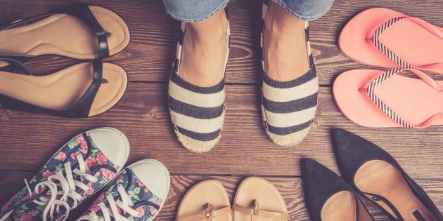 Avec le beau temps, c'est l'heure des sandales, tennis et autres chaussures plates et ce n'est pas une bonne nouvelle pour vos pieds
