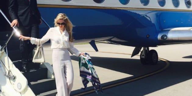 Louise Linton, contrainte de s'excuser après ce cliché posté sur Instagram, où la jeune femme étale sa richesse.