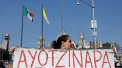 FOTOS: Padres de normalistas de Ayotzinapa piden fortaleza a la Virgen de