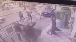 Il bambino di 5 anni cade dal balcone: il salvataggio del poliziotto (in servizio) è