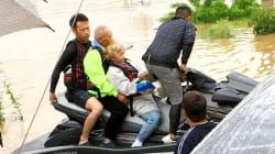 西日本豪雨、岡山・真備の浸水地域に取り残された120人を水上バイクの若者が救う